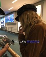 Caity Lotz signing autographs August2015